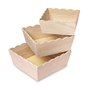 Set of 3 - Scalloped Wood tray set
